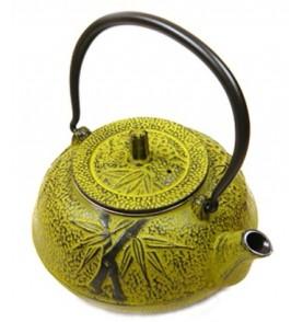 Théière en fonte KITAMI trois motifs bambou haute jaune vert pistache1,2L